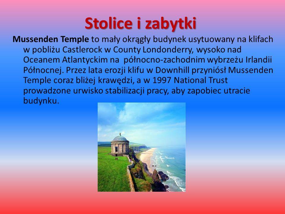 Stolice i zabytki Mussenden Temple to mały okrągły budynek usytuowany na klifach w pobliżu Castlerock w County Londonderry, wysoko nad Oceanem Atlanty