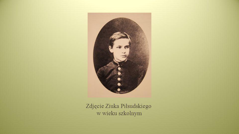 Zdjęcie Ziuka Piłsudskiego w wieku szkolnym