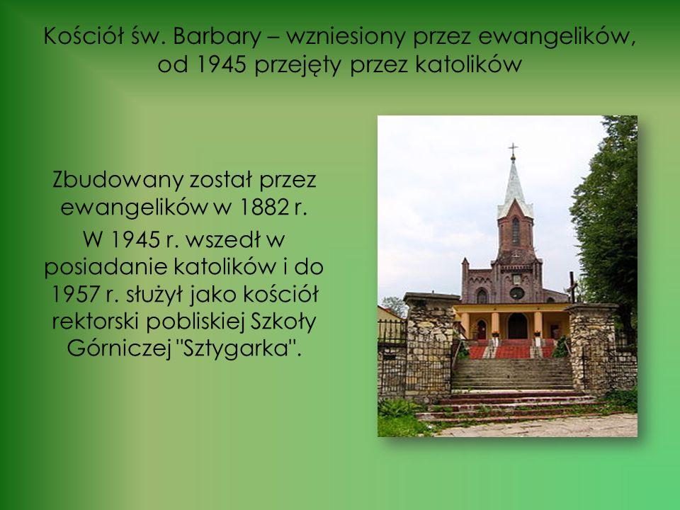 Do ważnych obiektów historycznych należy również zaliczyć: Dworce kolejowe w Gołonogu, Ząbkowicach i Strzemieszycach Wielkich,