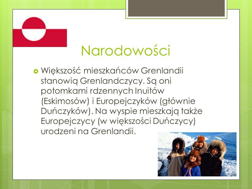 Języki Mieszkańcy Grenlandii posługują się trzema dialektami języka grenlandzkiego, którego jedna z form używana na zachodnim wybrzeżu uznana została językiem urzędowym.