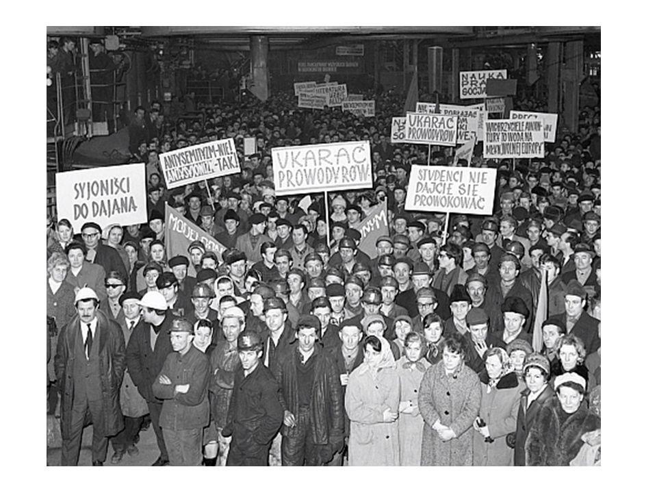Grudzień 1970 Wydarzenia grudniowe, rewolta grudniowa, wypadki grudniowe, masakra na Wybrzeżu – bunt robotników w Polsce w dniach 14- 22 grudnia 1970 roku (demonstracje, protesty, strajki, wiece, zamieszki) głównie w Gdyni, Gdańsku, Szczecinie i Elblągu, stłumiony przez komunistyczną milicję i wojsko.