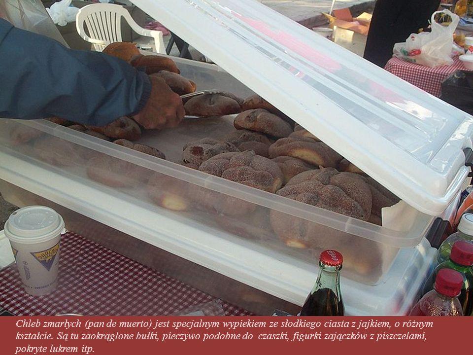 Tradycyjny wypiek Chleb zmarłych (pan de muerto)