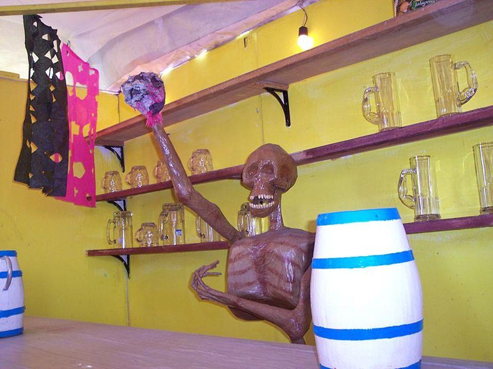 Szkieletowa figura w restauracji w Taxco de Alarcon, Guerrero, Meksyk Figury z masy papierowej