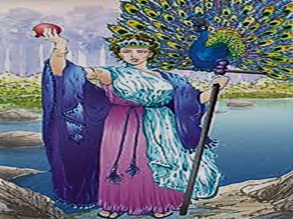 Patronka rodziny, sierot i wdów.Zawsze pozostawała na Olimpie, z dala od walk i sporów.