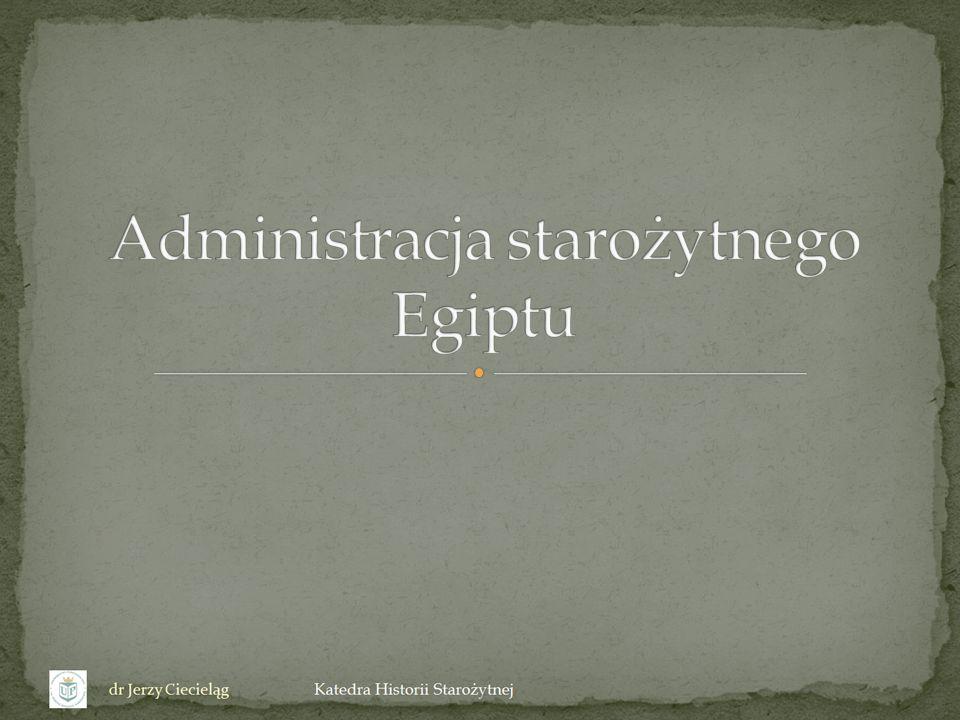 Podstawowym problemem poznania administracji i organizacji państwa egipskiego jest zupełny niemal brak źródeł do poznania prawa Musiały jednak istnieć jakieś spisy praw o czym świadczy: 1.