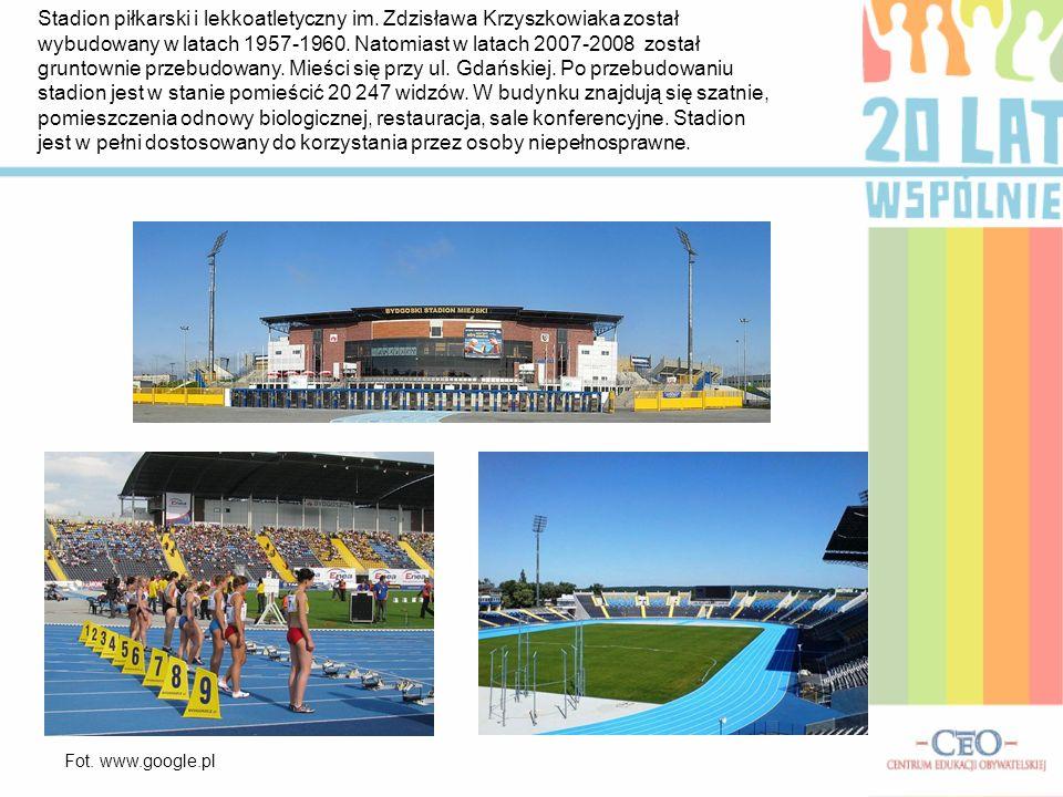 Stadion piłkarski i lekkoatletyczny im. Zdzisława Krzyszkowiaka został wybudowany w latach 1957-1960. Natomiast w latach 2007-2008 został gruntownie p
