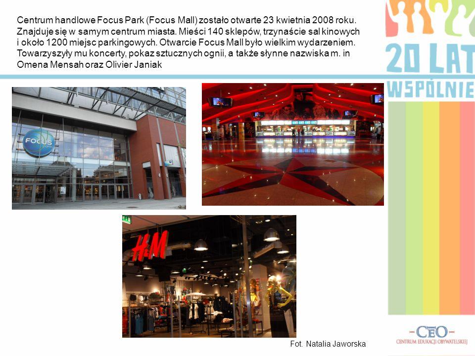 Centrum handlowe Focus Park (Focus Mall) zostało otwarte 23 kwietnia 2008 roku. Znajduje się w samym centrum miasta. Mieści 140 sklepów, trzynaście sa