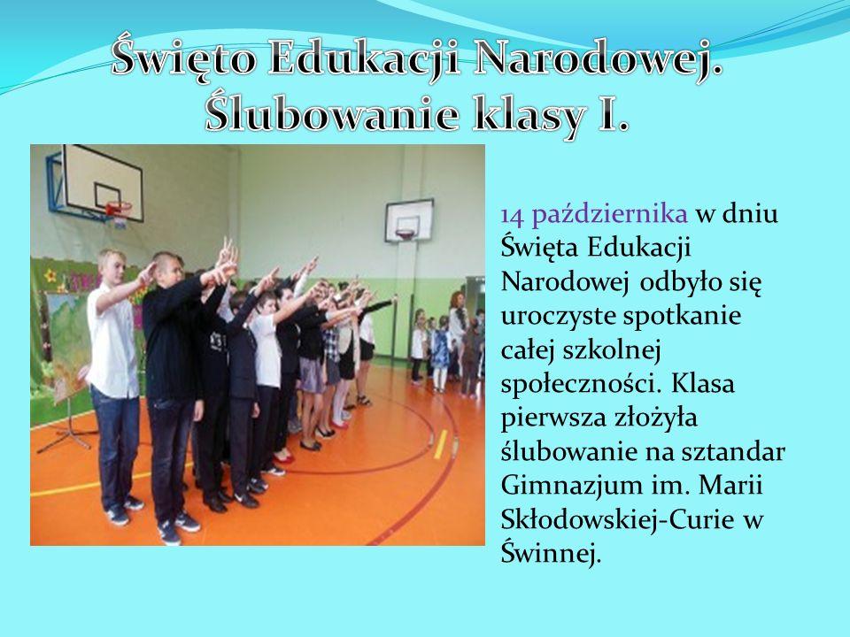 14 października w dniu Święta Edukacji Narodowej odbyło się uroczyste spotkanie całej szkolnej społeczności. Klasa pierwsza złożyła ślubowanie na szta