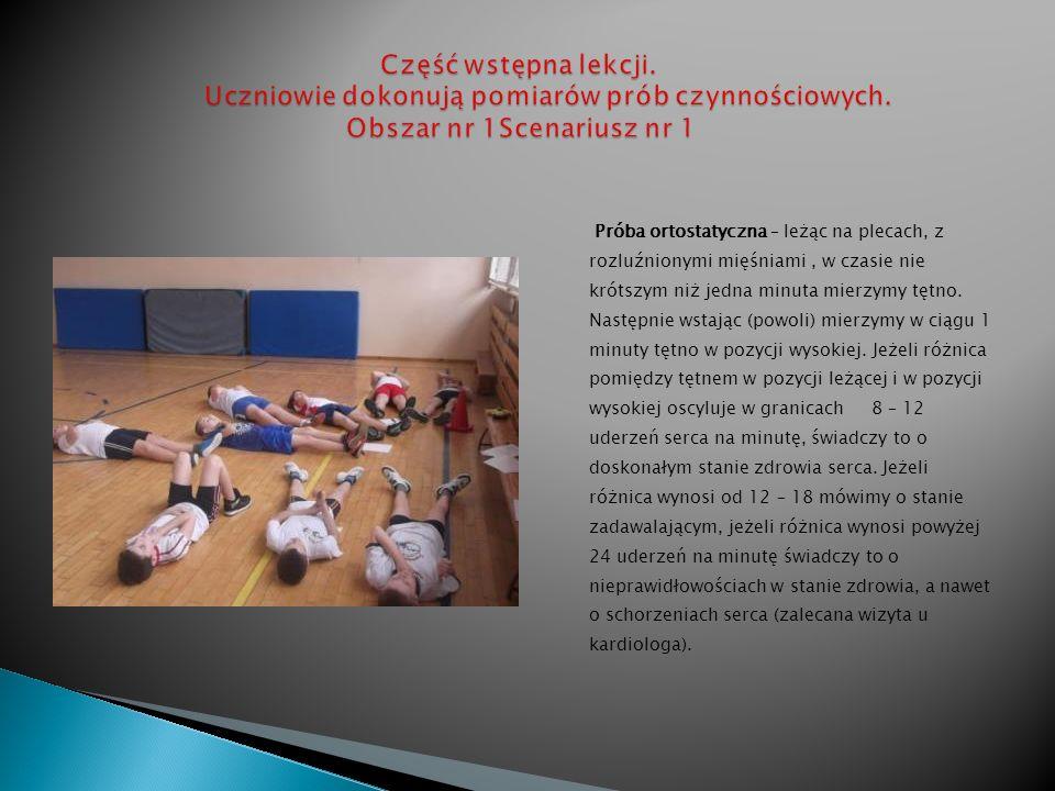 Ćwiczenia odbywały się na dużej i małej sali gimnastycznej oraz holu głównym szkoły.