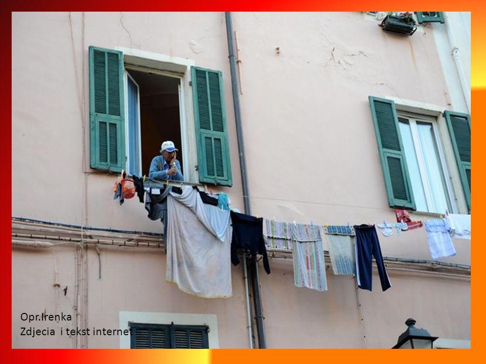 Taki mały symbol Sanremo, czerwona Vespa, wolność, wiatr we włosach, bez względu na zawód,wiek, ubiór,pogodę... Na randkę, na zakupy,do pracy.