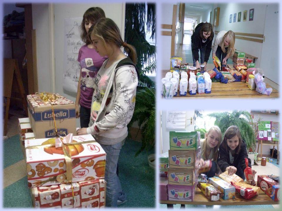 Świąteczne paczki W tym roku z okazji Mikołajek, każda klasa robi paczkę dla dzieci z domu dziecka.