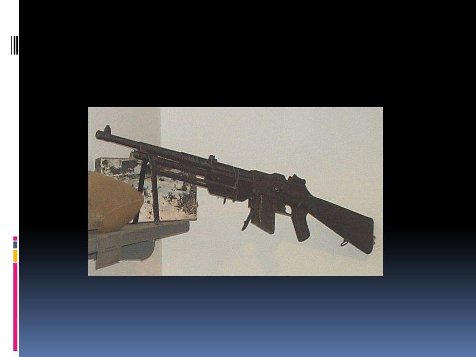 Karabin maszynowy Karabin maszynowy – samoczynna, zespołowa broń palna strzelająca amunicją karabinową o kalibrze do 20 mm.
