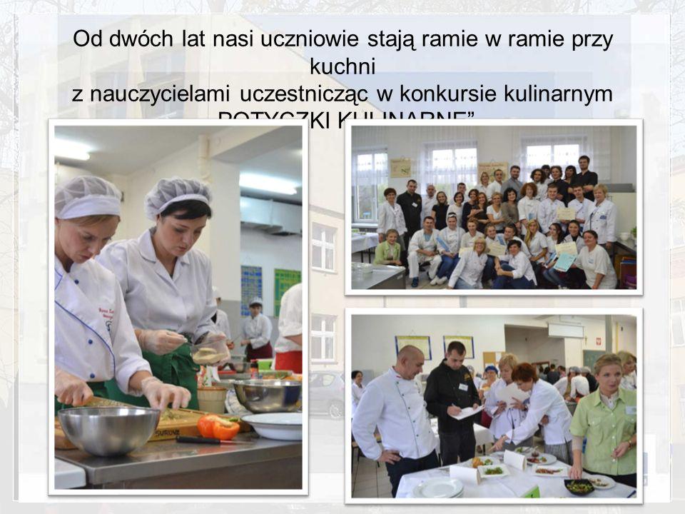 Od dwóch lat nasi uczniowie stają ramie w ramie przy kuchni z nauczycielami uczestnicząc w konkursie kulinarnym POTYCZKI KULINARNE