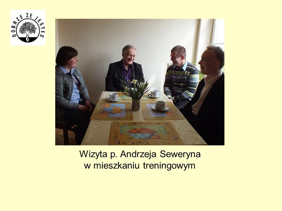 Wizyta p. Andrzeja Seweryna w mieszkaniu treningowym