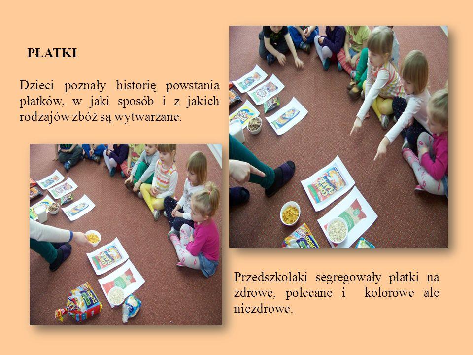 PŁATKI Dzieci poznały historię powstania płatków, w jaki sposób i z jakich rodzajów zbóż są wytwarzane. Przedszkolaki segregowały płatki na zdrowe, po