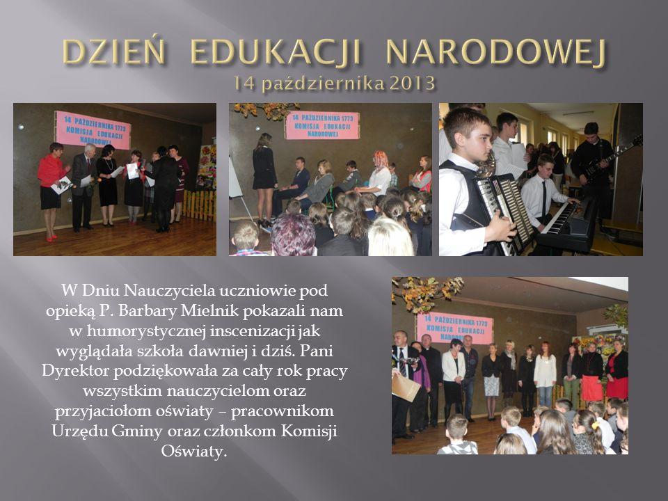 W Dniu Nauczyciela uczniowie pod opieką P. Barbary Mielnik pokazali nam w humorystycznej inscenizacji jak wyglądała szkoła dawniej i dziś. Pani Dyrekt