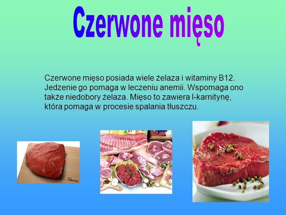 Czerwone mięso posiada wiele żelaza i witaminy B12.
