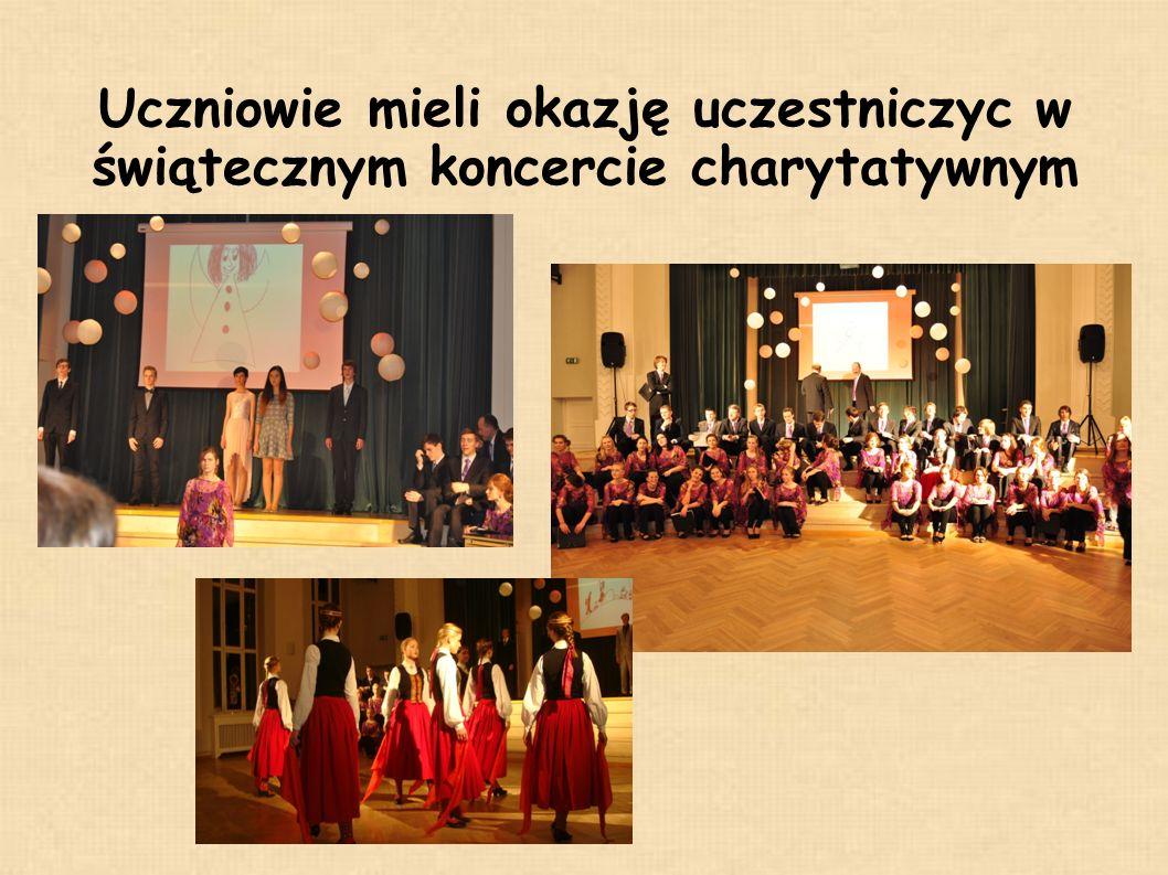 Uczniowie mieli okazję uczestniczyc w świątecznym koncercie charytatywnym