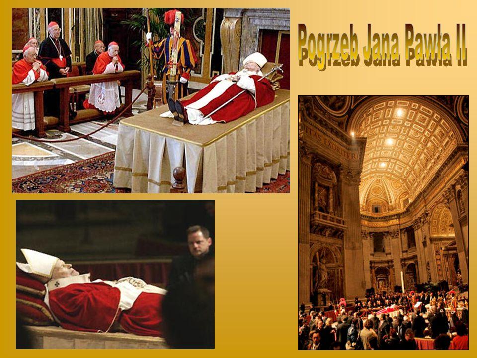 W czwartek 31 marca tuż po godzinie 11, gdy Jan Paweł II udał się do swej prywatnej kaplicy, doznał silnych dreszczy, po których dostał temperatury 39,6 stopnia.