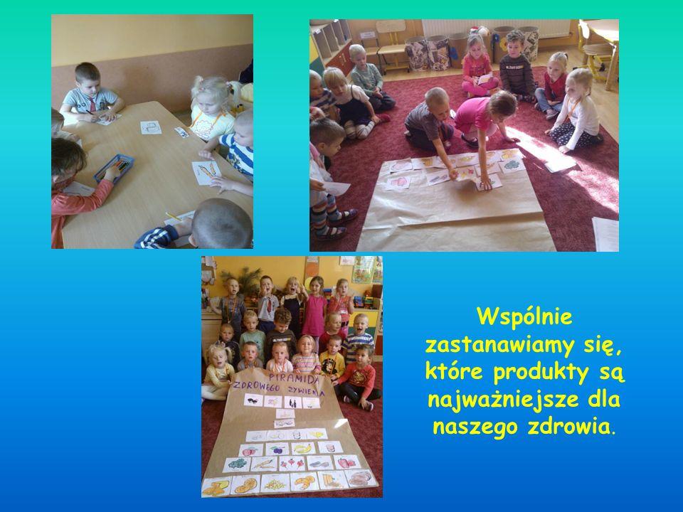 Dzieci nie tylko w teorii poznawały proces powstawania oleju, ale również miały okazję zobaczyć to w praktyce !