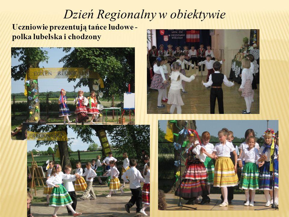 Uczniowie prezentują tańce ludowe - polka lubelska i chodzony Dzień Regionalny w obiektywie