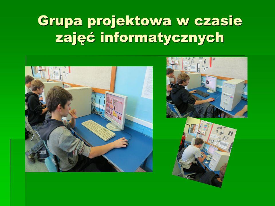 Grupa projektowa w czasie zajęć informatycznych