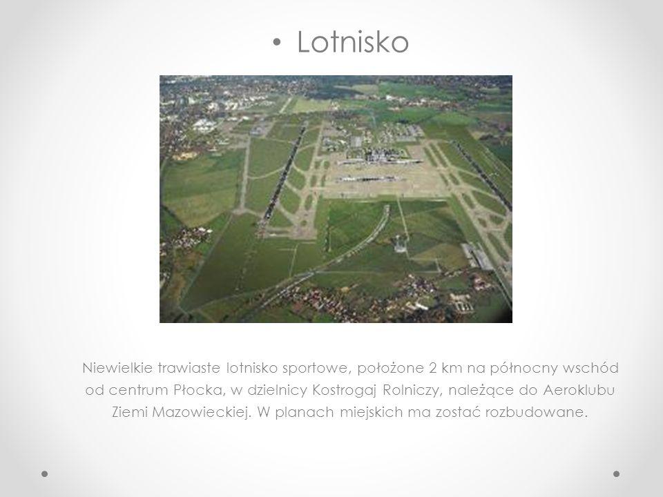 Amfiteatr Zlokalizowany jest u skarpy wiślanej nad Wisłą. Podzielony na 14 sektorów i posiadający 3503 miejsca