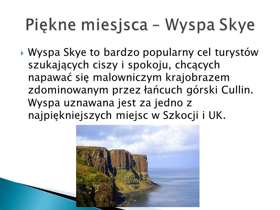 Wyspa Skye to bardzo popularny cel turystów szukających ciszy i spokoju, chcących napawać się malowniczym krajobrazem zdominowanym przez łańcuch górski Cullin.