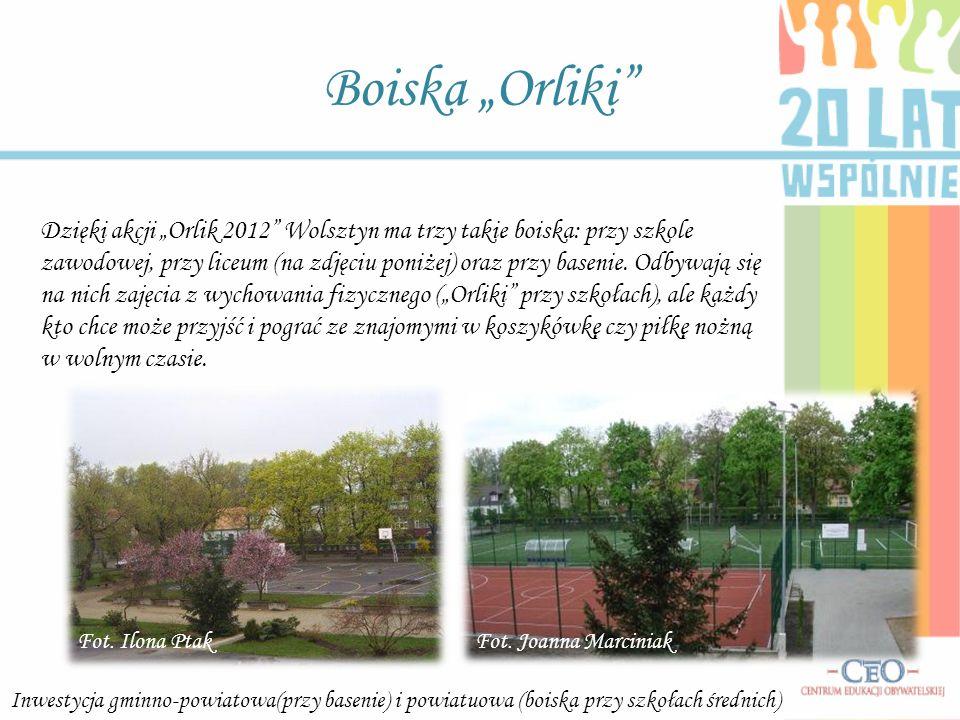 Boiska Orliki Dzięki akcji Orlik 2012 Wolsztyn ma trzy takie boiska: przy szkole zawodowej, przy liceum (na zdjęciu poniżej) oraz przy basenie. Odbywa