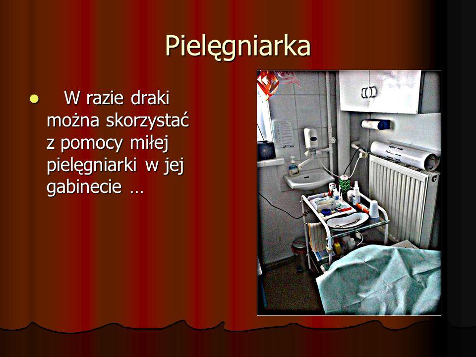 Pielęgniarka W razie draki można skorzystać z pomocy miłej pielęgniarki w jej gabinecie … W razie draki można skorzystać z pomocy miłej pielęgniarki w