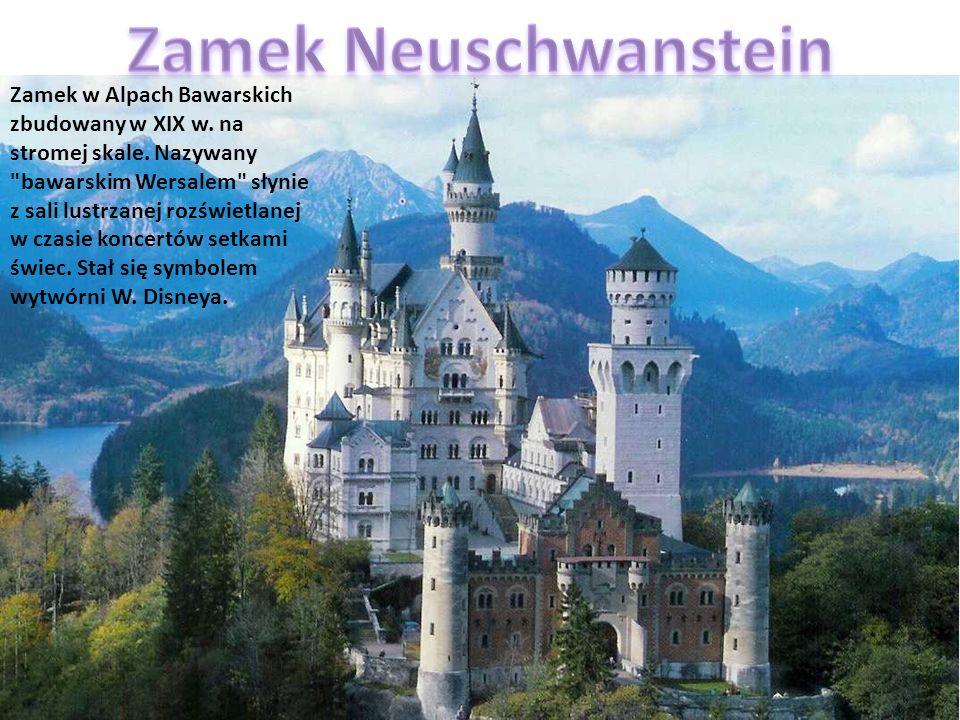 Zamek w Alpach Bawarskich zbudowany w XIX w. na stromej skale. Nazywany