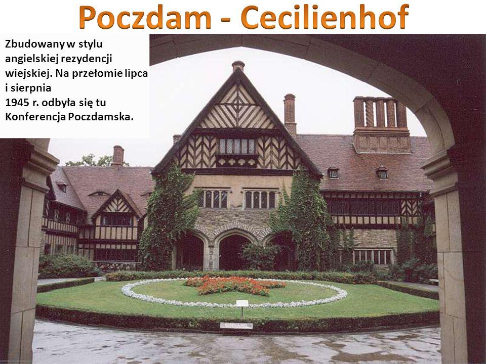 Zbudowany w stylu angielskiej rezydencji wiejskiej. Na przełomie lipca i sierpnia 1945 r. odbyła się tu Konferencja Poczdamska.