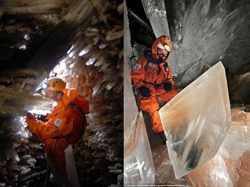 Jaskinia Mieczy W 1910 r. przypadkiem odkryto Cueva de las Espadas – Jaskinię Mieczy, znajdującą się 120 m pod powierzchnią ziemi. Komnata szeroka na