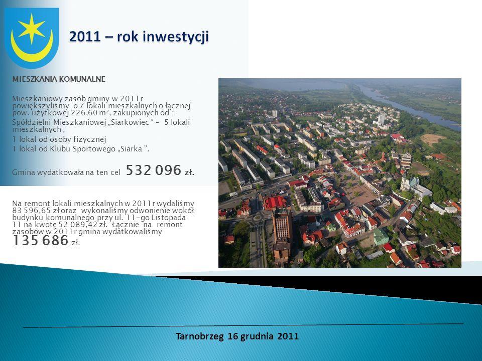 MIESZKANIA KOMUNALNE Mieszkaniowy zasób gminy w 2011r powiększyliśmy o 7 lokali mieszkalnych o łącznej pow. użytkowej 226,60 m², zakupionych od : Spół