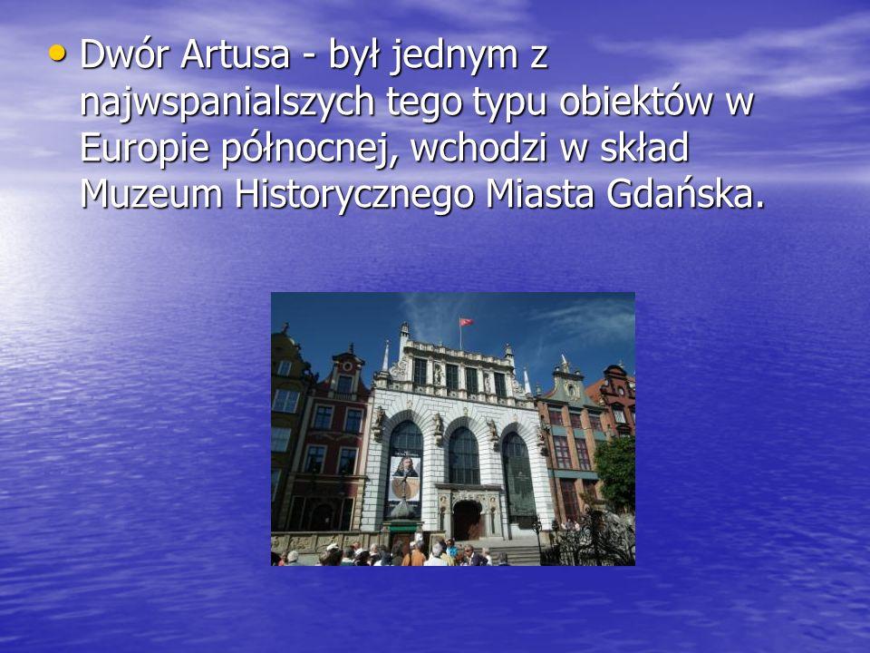 Fontanna Neptuna – stojąca od 1633 r.przed Dworem Artusa, jest symbolem Gdańska.