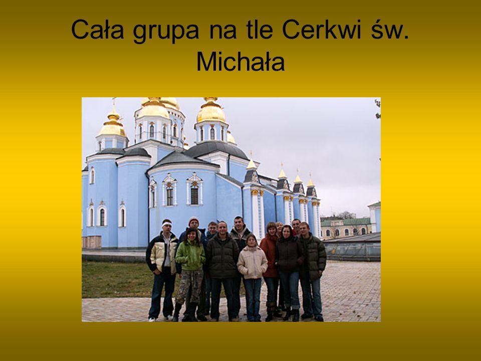 Grupa przy pomniku twórcy cyrylicy Plac Chmielnickiego
