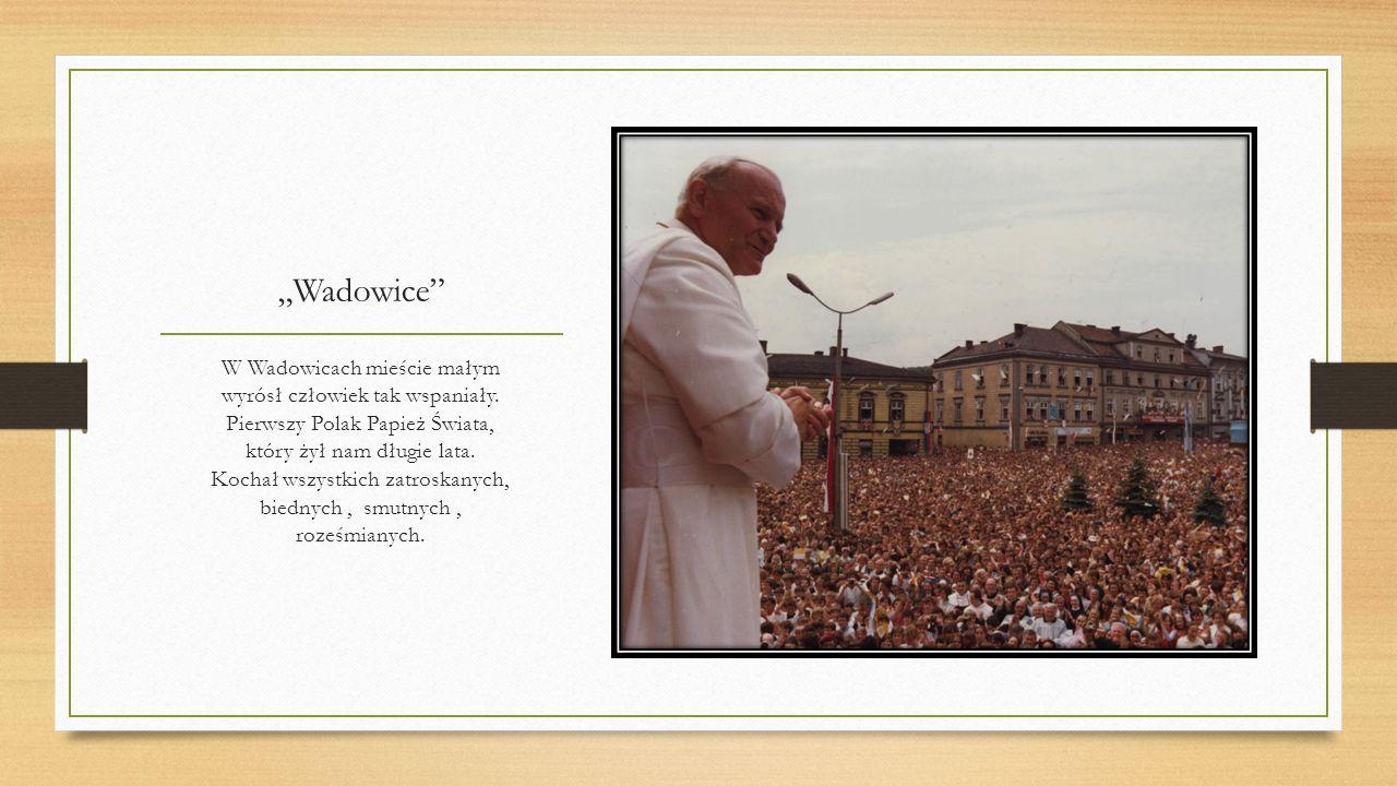 Dobra nowina Bóg wierność nagradza, szybciej niż się zdaje. Pokorny nasz Karol papieżem zostaje. Jak zawsze jest skromny, z uśmiechniętą miną, jeździ