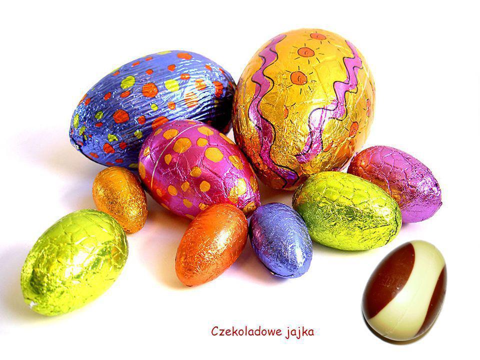 Największe czekoladowe jajo na świecie, ułożone w mieście Sint – Niklaas (Belgia) z 50000 różnych tabliczek czekolady na zlecenie miejscowej firmy czekoladowej.