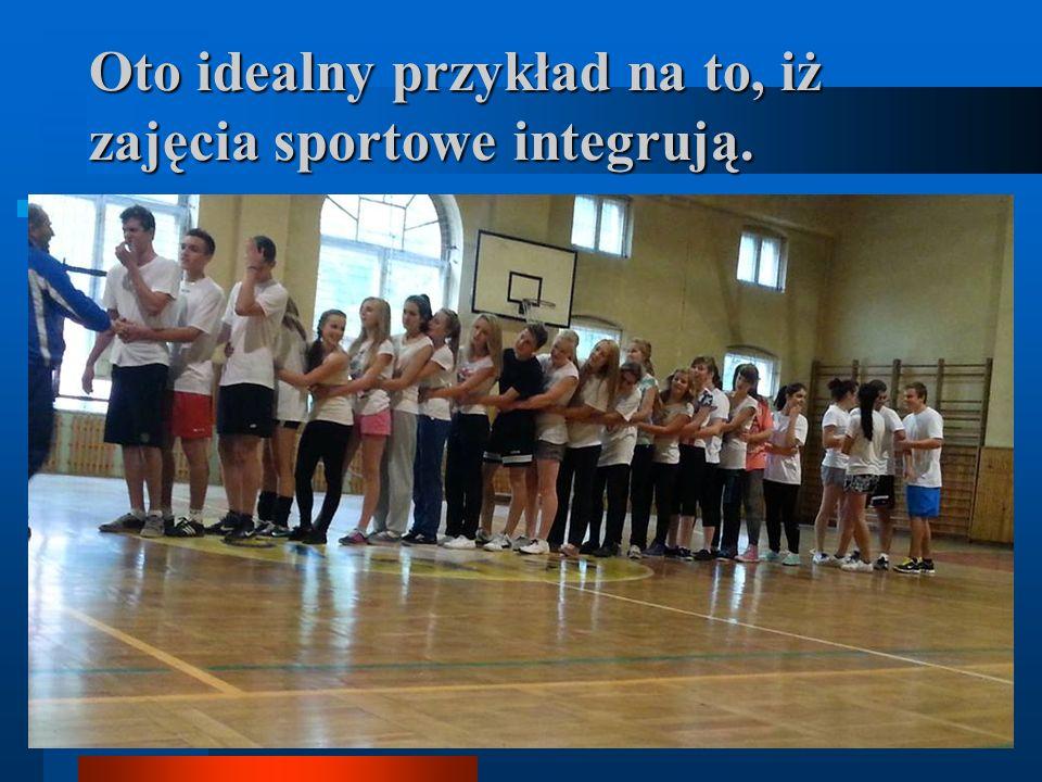 Oto idealny przykład na to, iż zajęcia sportowe integrują.
