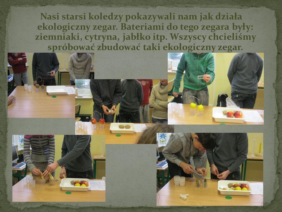 Nasi starsi koledzy pokazywali nam jak działa ekologiczny zegar.