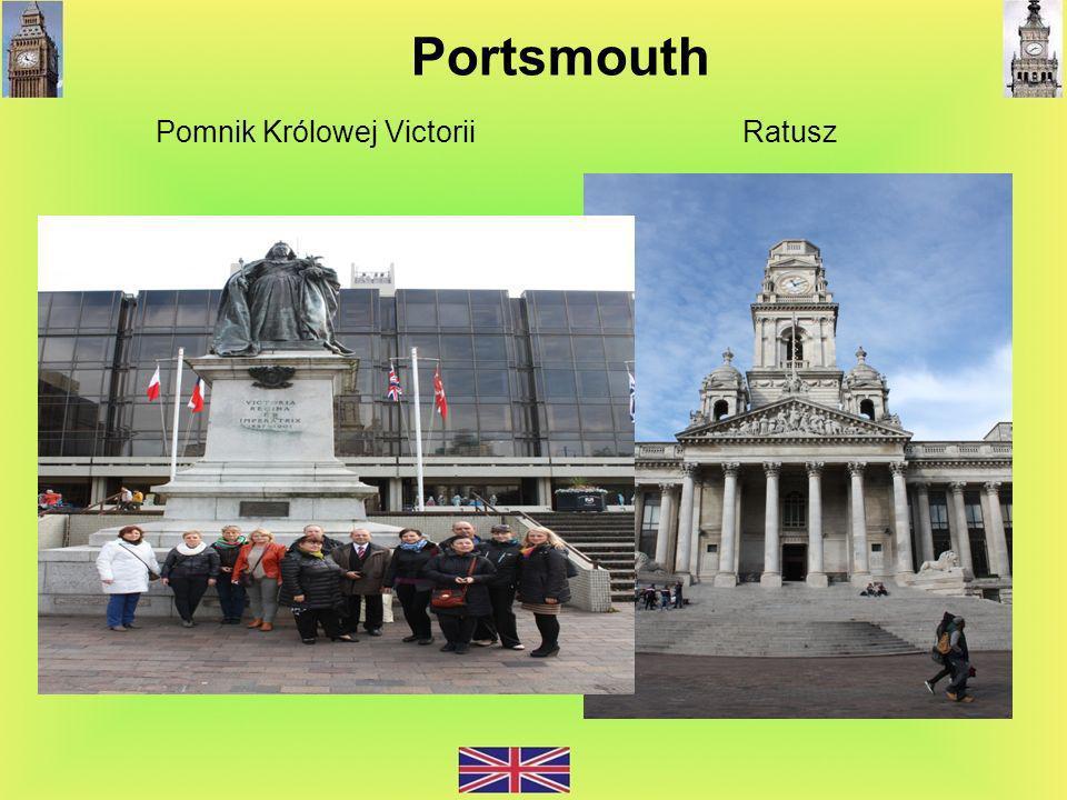 Pomnik Królowej Victorii Ratusz Portsmouth