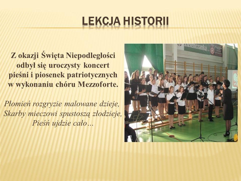 Z okazji Święta Niepodległości odbył się uroczysty koncert pieśni i piosenek patriotycznych w wykonaniu chóru Mezzoforte.