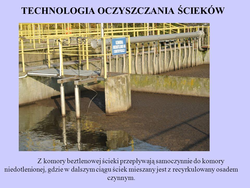 Z komory beztlenowej ścieki przepływają samoczynnie do komory niedotlenionej, gdzie w dalszym ciągu ściek mieszany jest z recyrkulowany osadem czynnym