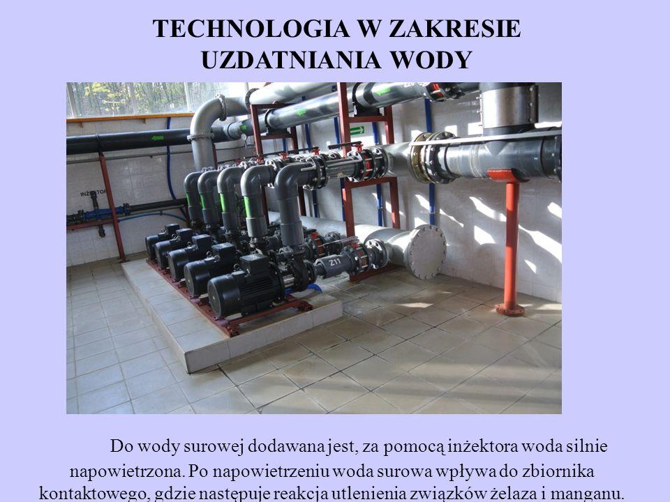 Do wody surowej dodawana jest, za pomocą inżektora woda silnie napowietrzona. Po napowietrzeniu woda surowa wpływa do zbiornika kontaktowego, gdzie na