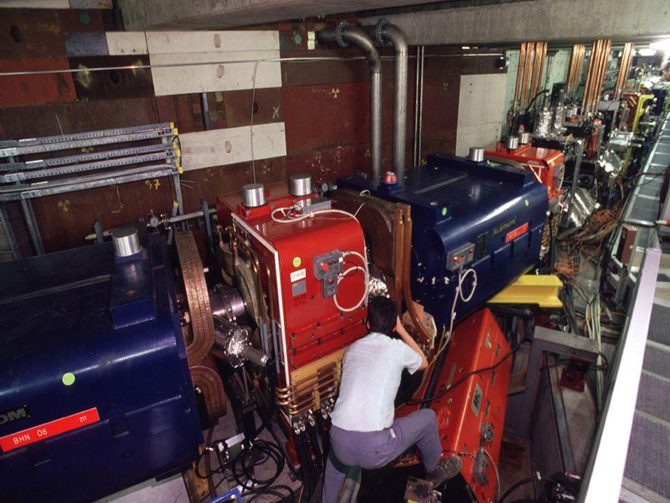 Kurs dla polskich nauczycieli fizyki w CERN 20-26/09/2009 A. Siemko 16/04/2007 CERN – najbardziej zaawansowany kompleks akceleratorowy na świecie Deza