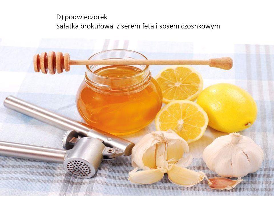 C) obiad Gotowany łosoś w towarzystwie porcji ciemnego ryżu i surówki z marchewki z jabłkiem, jogurt naturalny do picia