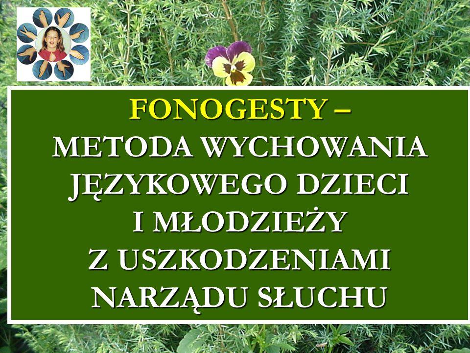7 Motto: […] to nie ich możliwości językowe czy intelektualne są upośledzone, lecz upośledzony jest naturalny rozwój tych możliwości.