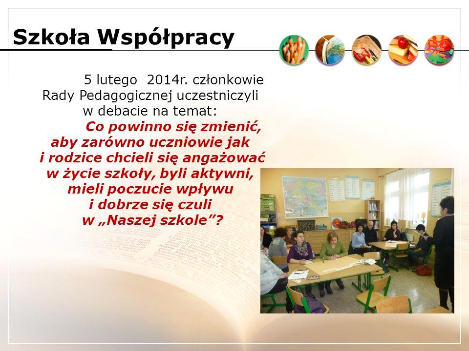Szkoła Współpracy Debatę poprzedziło wystąpienie dyrektora szkoły Pani Barbary Zdybek, która przedstawiła cele projektu Szkoła Współpracy – uczniowie i rodzice kapitałem społecznym nowoczesnej szkoły oraz kompetencje działających w szkole organów Rady Rodziców i Samorządu Szkolnego.