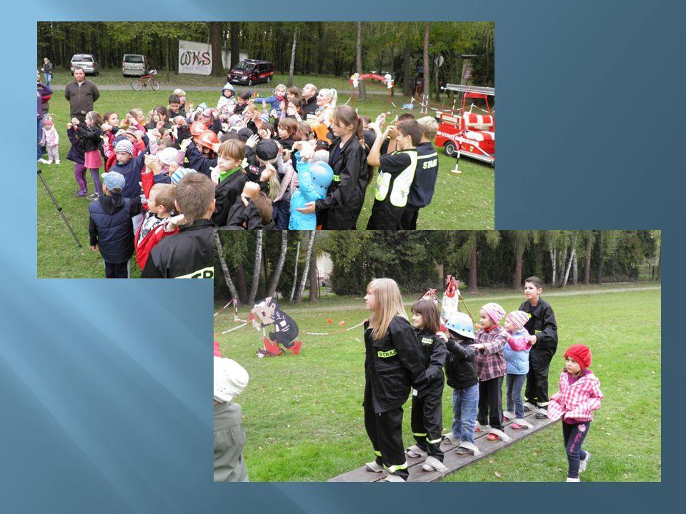 W październiku już po raz kolejny mieliśmy okazję uczestniczyć w obchodach Święta Drzewa i Pieczonego Ziemniaka w Podolanach.