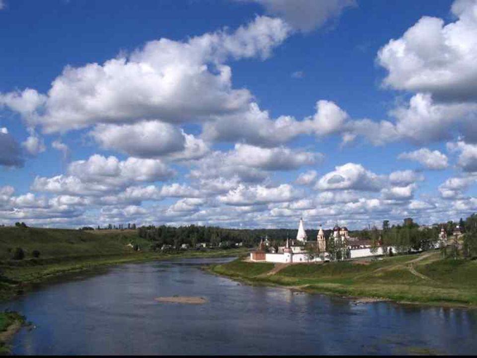 Wołga – najdłuższa rzeka Europy o długości 3690 km.